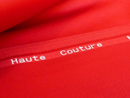 Pure laine Haute-Couture rouge