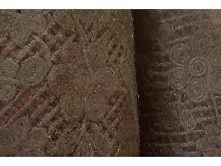 Drap de laine noir à bordure de dentelle feutrée