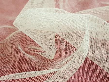 Tulle de soie souple blanc cassé