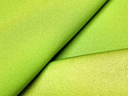 Crêpe satin vert chartreuse