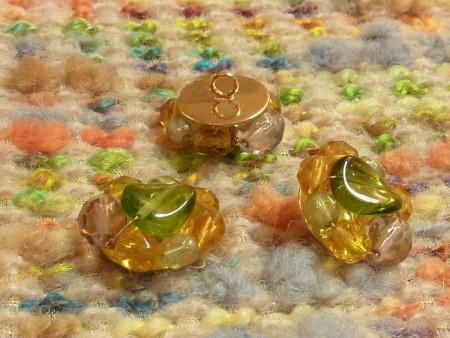 Bouton perles orange et vert