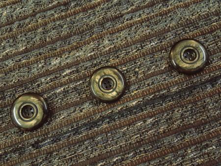Bouton manteau marron motif corne