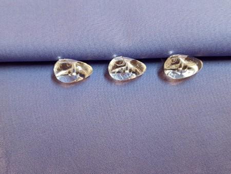 Bouton en olive transparent